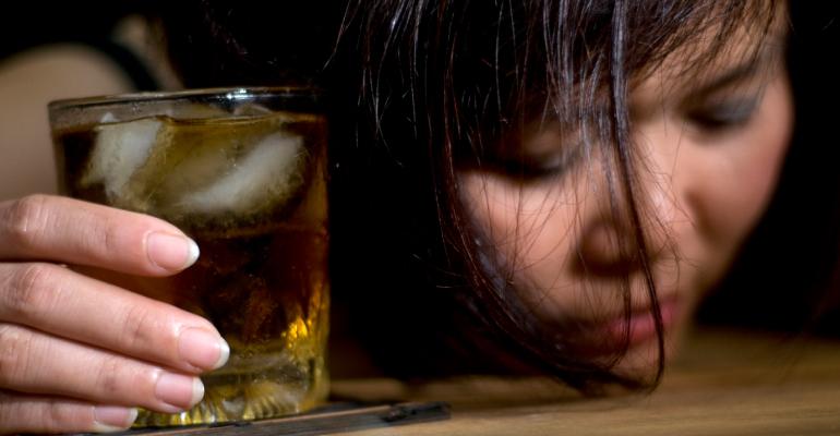 Первая стадия алкоголизма у женщин
